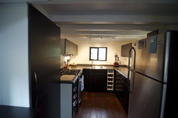 Mini-dům-na-kolech-4-600x398